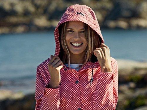 232c80f0a77c18 Odzież wierzchnia, bielizna termoaktywna, ubrania sportowe oraz obuwie Helly  Hansen sprzedawane są w ponad 40 krajach.